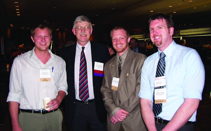 APSA members meet with Francis Collins during the 2007 Annual Meeting. L...